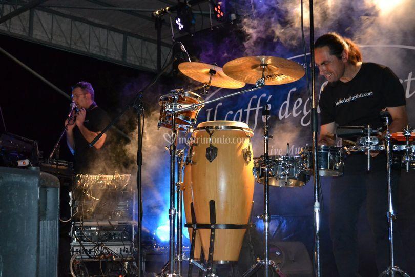 Dj set + percussioni live