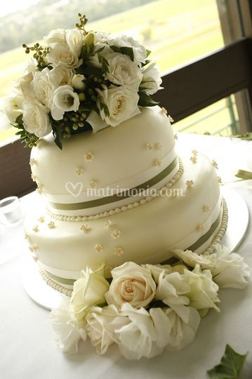 Pasta di zucchero e fiori naturali
