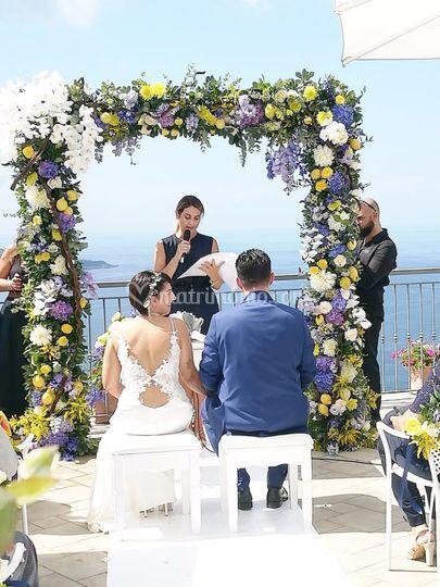 Celebrante matrimonio simbolic