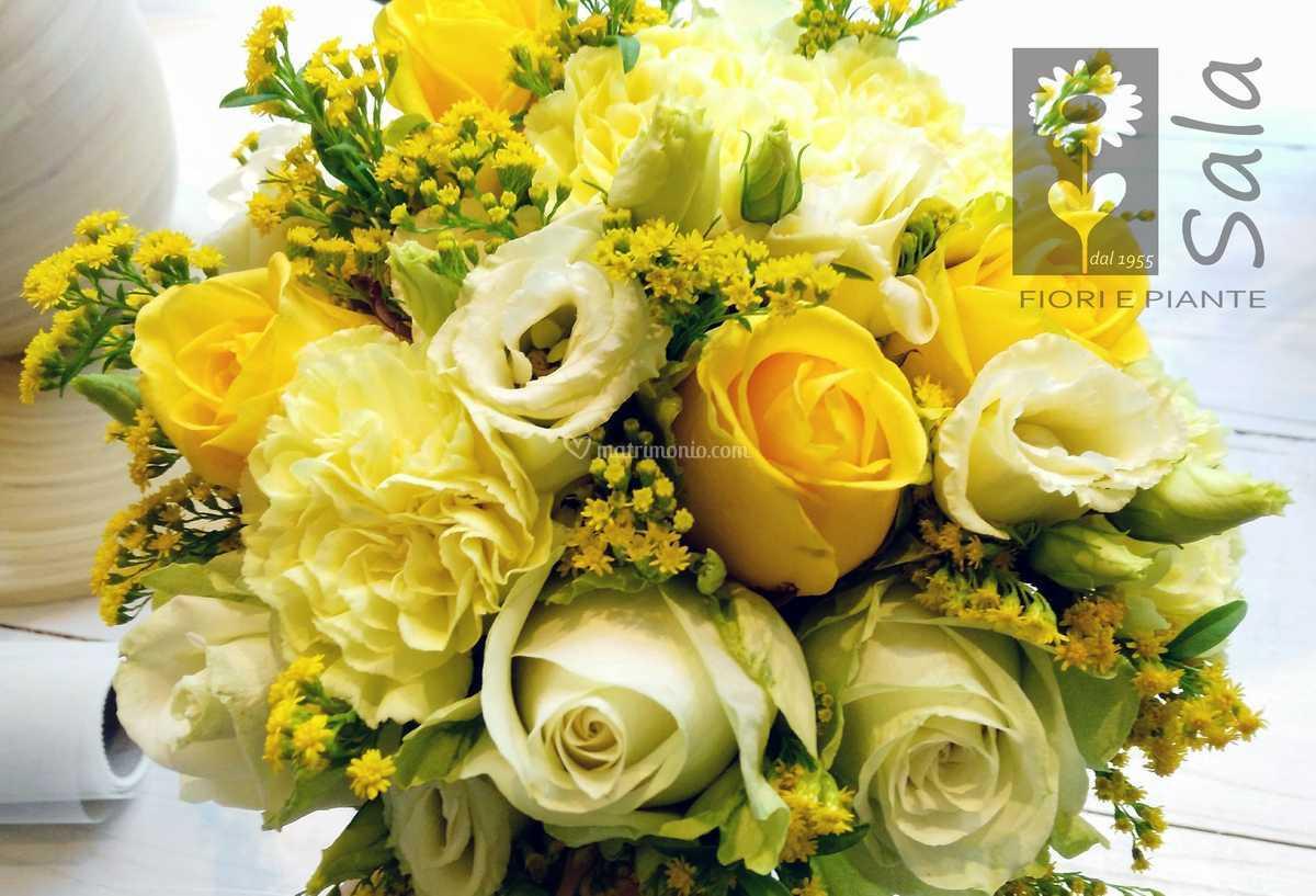 Fiori Gialli Bouquet.Bouquet Fiori Gialli Di Sala Fiori E Piante Foto 49