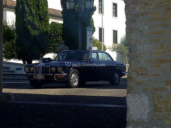Jaguart xj 4. 2