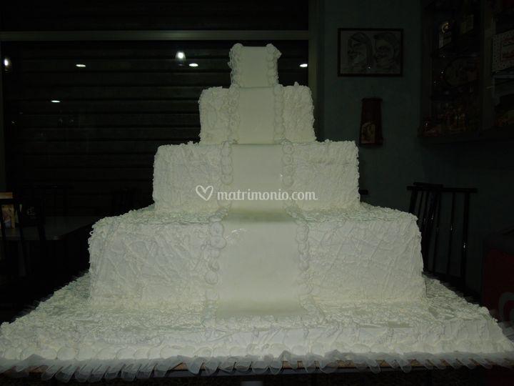 Alzata matrimoniale a 4 piani