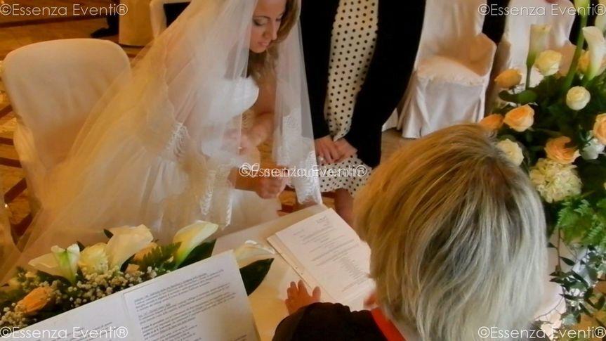 Registro Firme Matrimonio Simbolico : Celebrante matrimonio simbolico essenza eventi