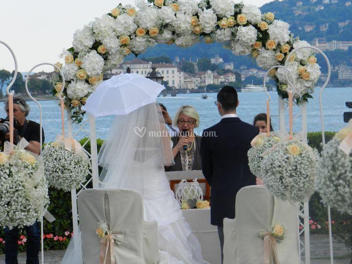 Matrimonio Simbolico All Estero : Celebrante matrimonio simbolico essenza eventi