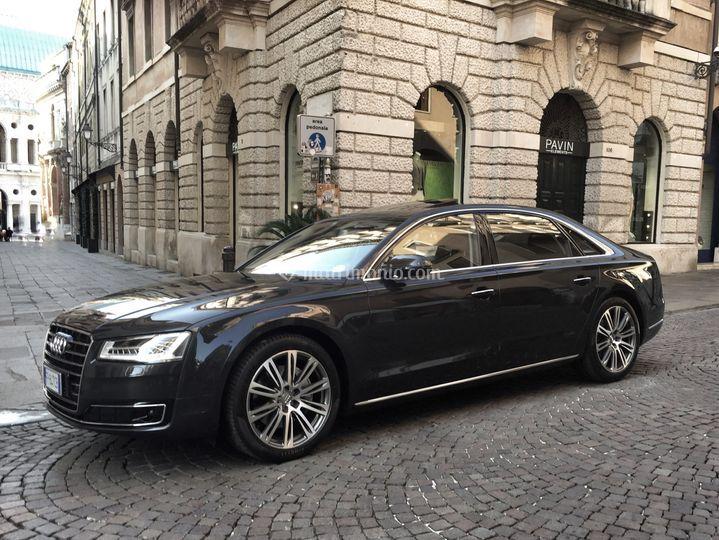 Audi A8 Lunga