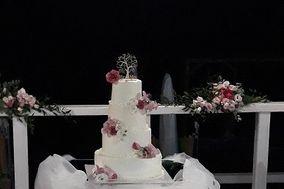 Family Bakery Cake Design