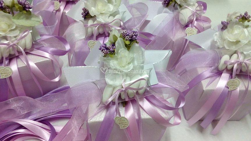 Confezioni lilla e rosa