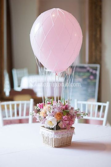 Centro tavola fiori&mongolfier