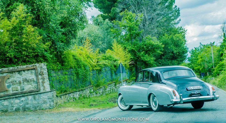 Auto in villa pocci