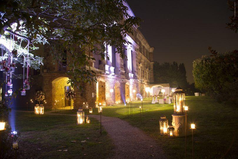 Il vialetto d 39 ingresso di villa la favorita foto 1 for Villa la favorita mantova matrimonio