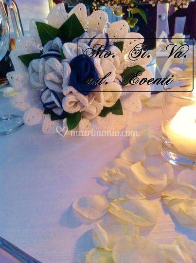 Bouquet rose bianco e blu
