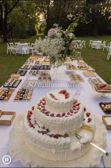 Tavolo dei dolci buffet