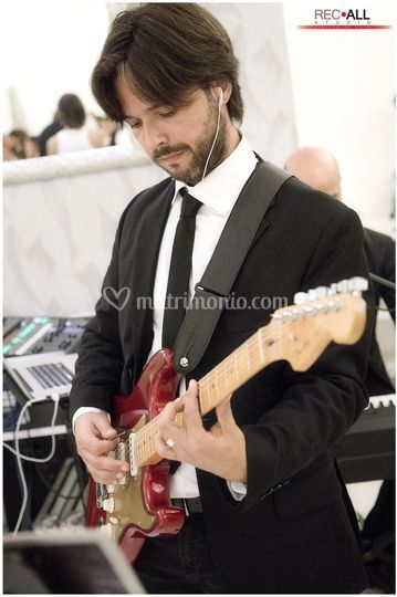 Alessandro ( Chitarra -Voce)