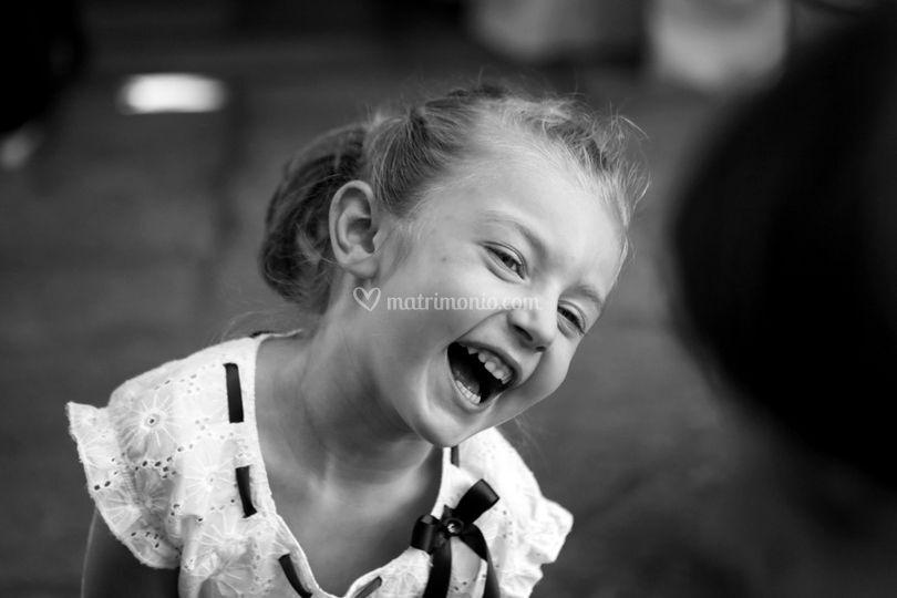 Bimba che sorride
