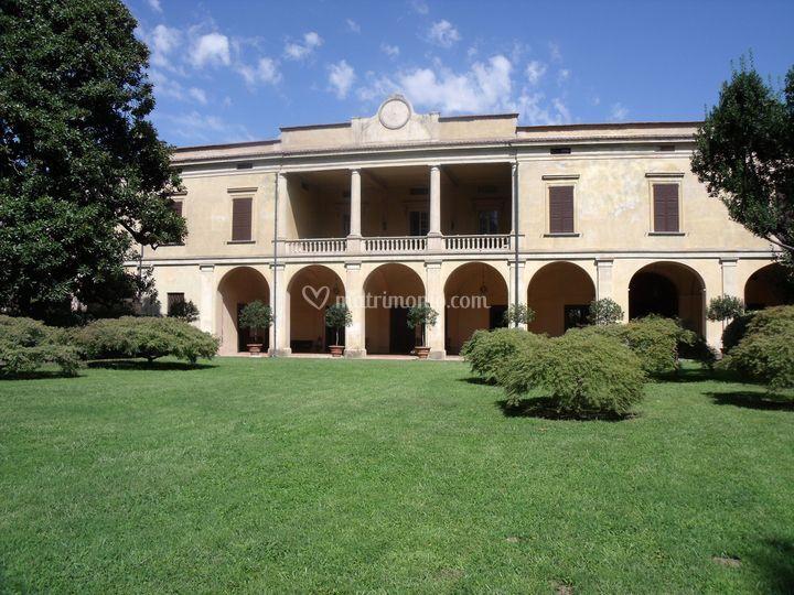 0f552ed9c92b Villa Longo