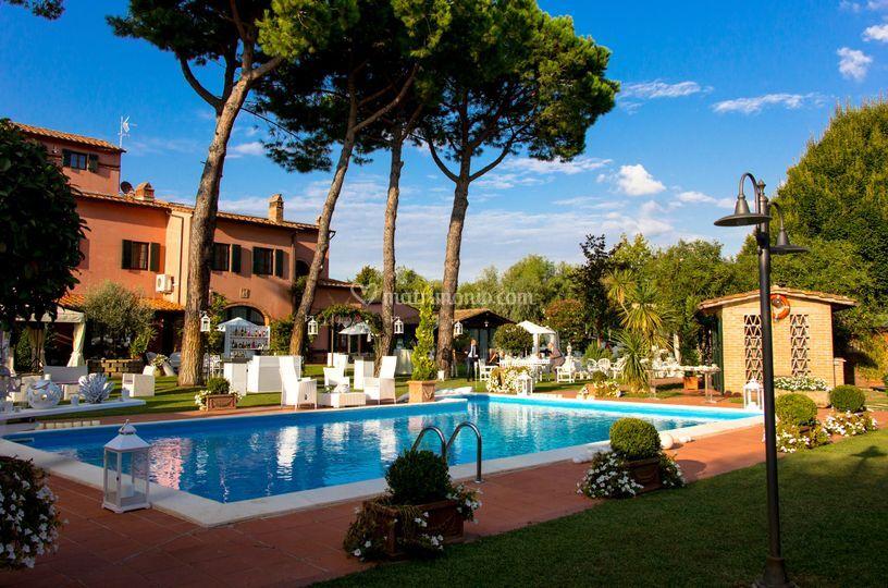 Villa I Girasoli Matrimonio : Piscina di villa i girasoli foto