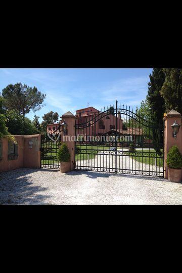 Villa I Girasoli Matrimonio : Ingresso villa di i girasoli foto