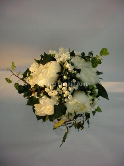 Bouquet Paeonie e Bouvardia