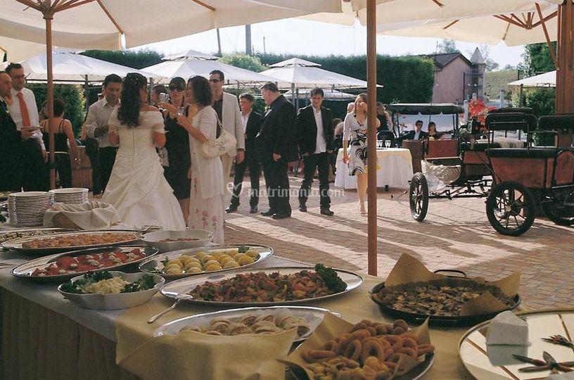 A buffet sulla terrazza