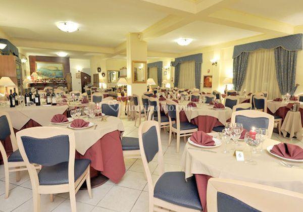 Matrimonio Spiaggia Porto Cesareo : Hotel conchiglia azzurra