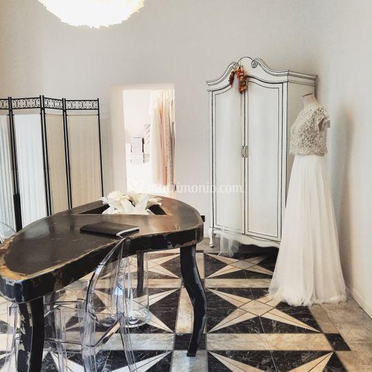 le nostre spose di la maison du mariage foto. Black Bedroom Furniture Sets. Home Design Ideas
