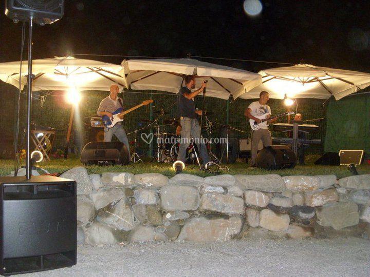 Matrimonio in giardino con Rock-Band