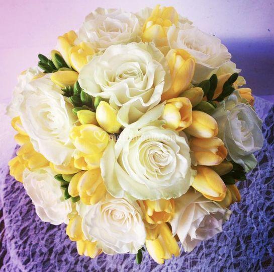 Bouquet bianco giallo