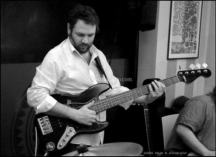 Roberto Gelli al basso