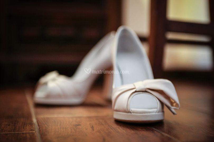 Ai piedi della sposa