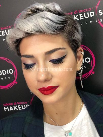 Make-up testimone