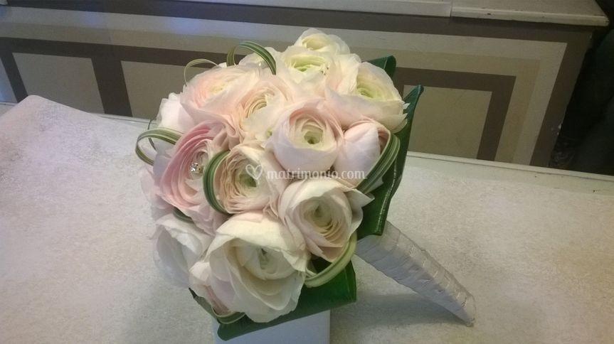 Bouquet di ranuncoli clone