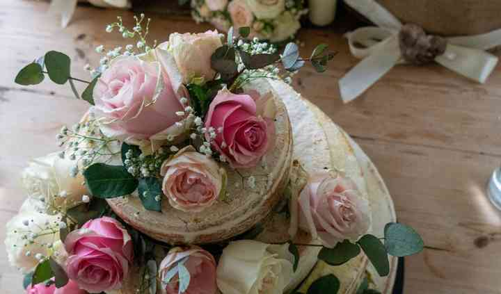 Top floral cake