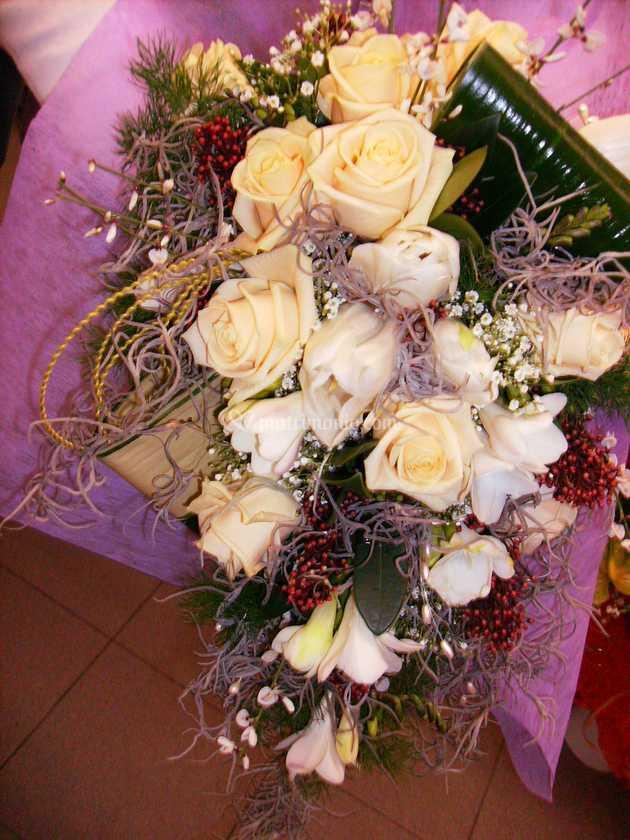 Bouquet Cadente Sposa.Bouquet Cadente Con Tillanzia Di Incantesimo Fiorito Foto 16