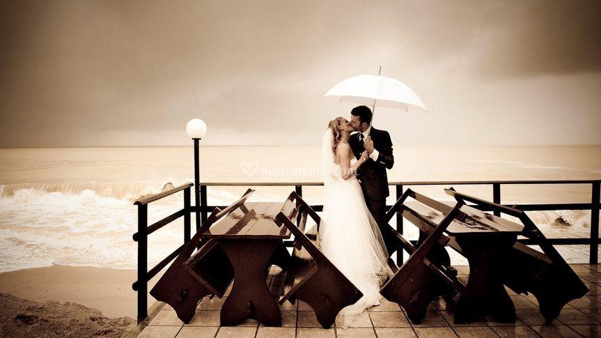 Gli sposi al mare