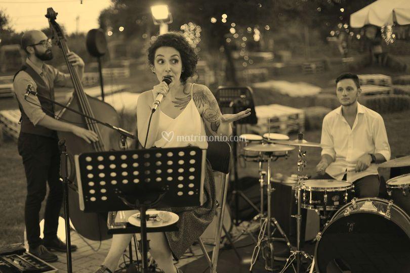 Iza Trio Acustico