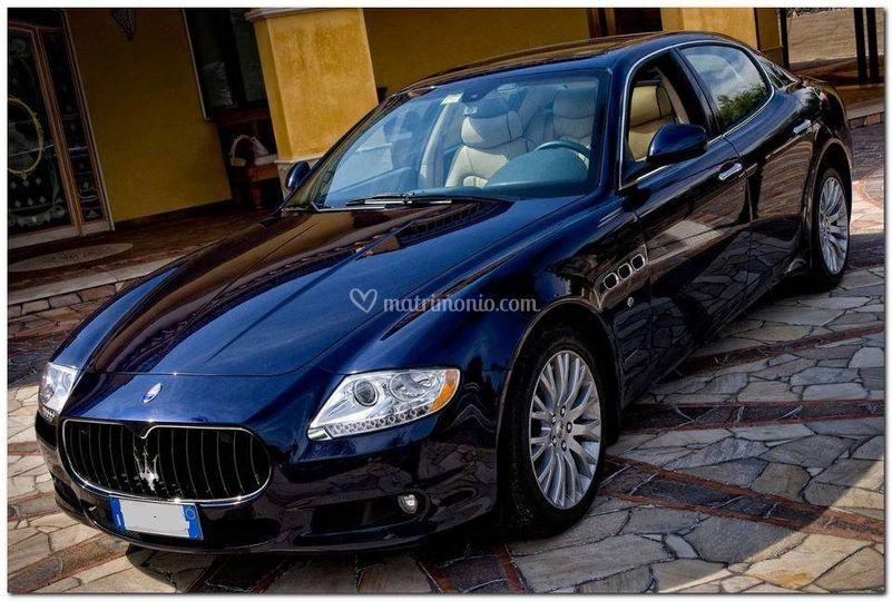 Maserati gts blu