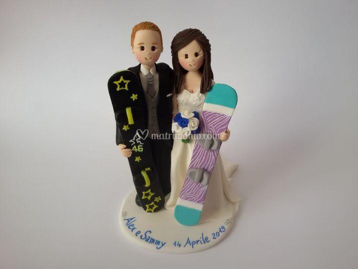 Cake topper snowboard
