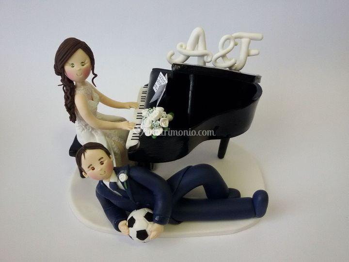 Cake topper pianoforte