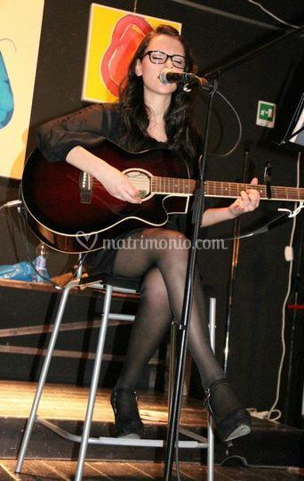 Jennifer voce e chitarra