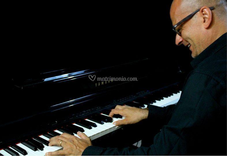Nazario pianista