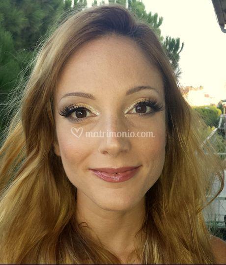 Make up testimone
