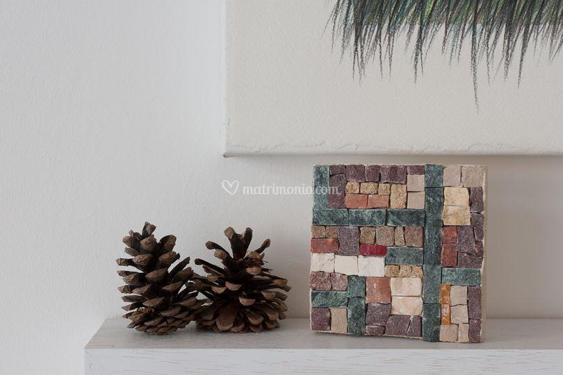 Mosaico in pietra e smalti
