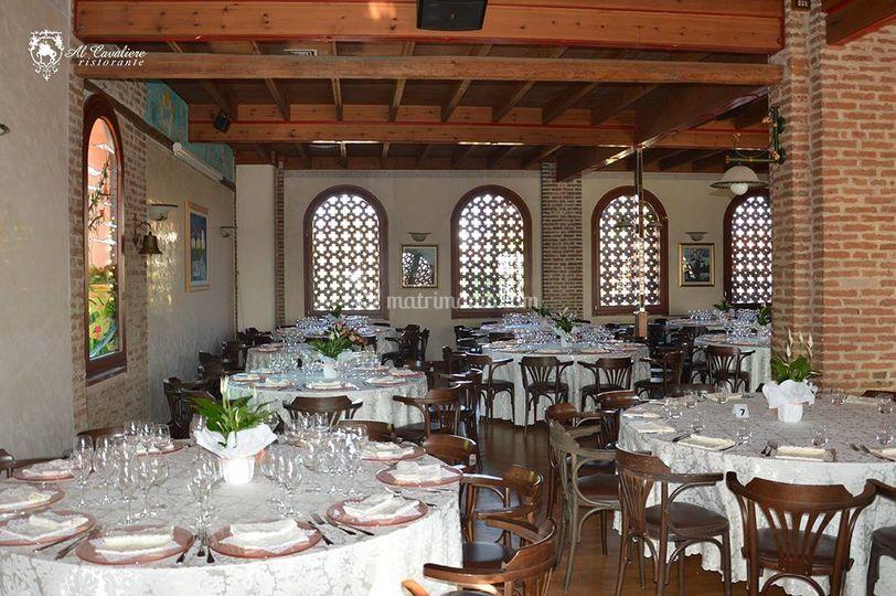 Tavoli in fienile