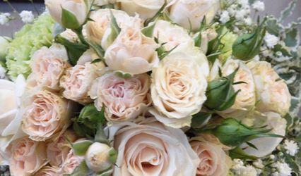 Tra fiori e decori 1
