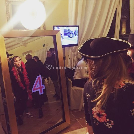 Selfie mirror party