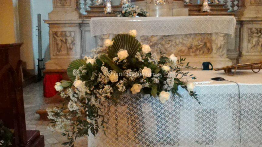 Allestimento altare chiesa