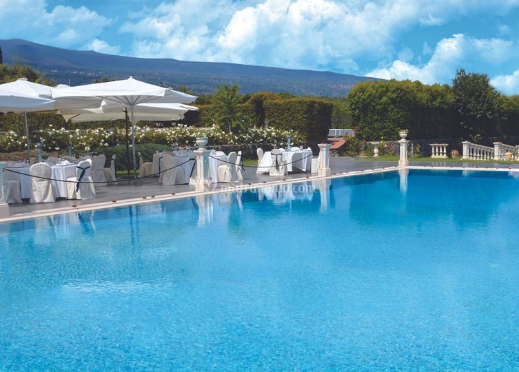 Tenuta pietrabianca for Addobbi piscina