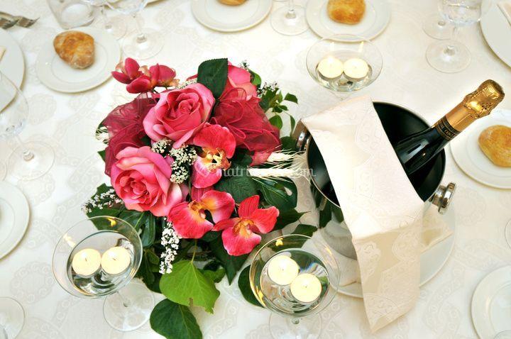 Tavolo pronto per cerimonia