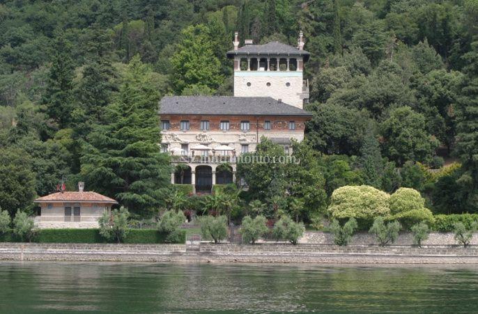 Villa Surre vista dal lago