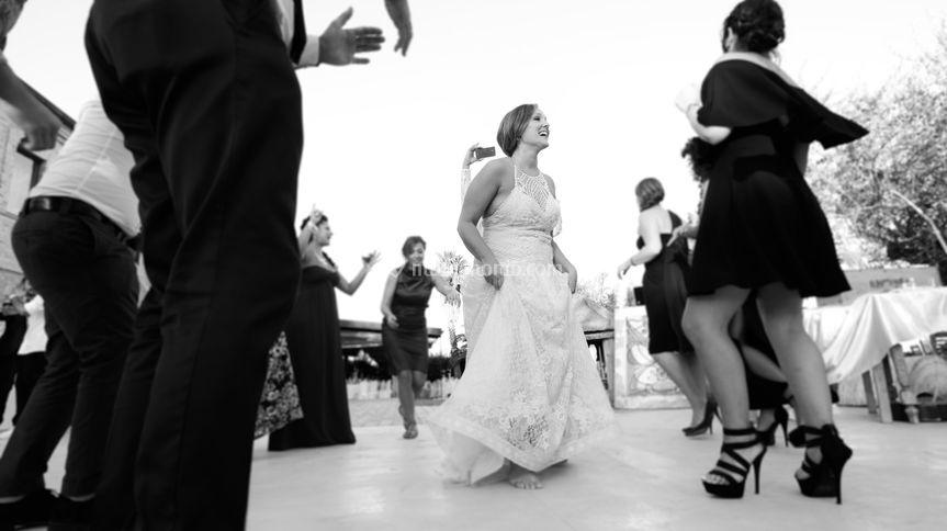 Danzando tra gli amici